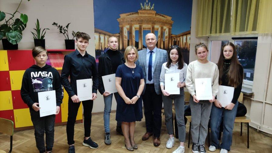 Uczniowie z certyfikatami DSD1 !!!!